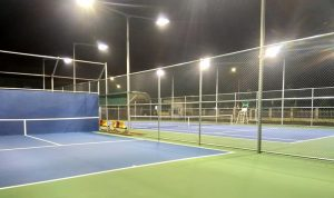 Độ sáng của đèn cao áp sân tennis mạnh