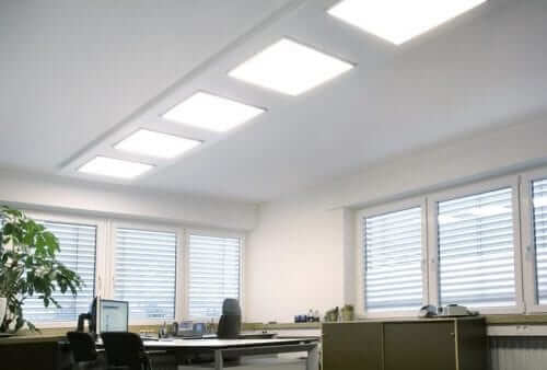 diem noi bat cua den led tam panel